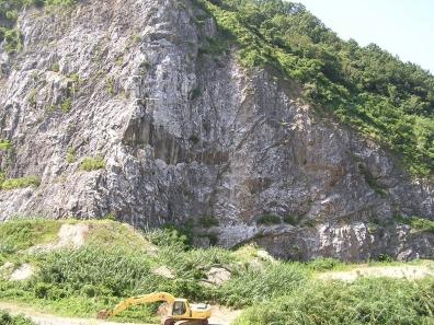 大早津の石灰産業跡地